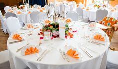 6 Hochzeitsfotografin Muenchen Apricot Tischdeko Hochzeit