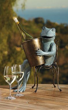 The Bistro Frog is perfect for entertaining!