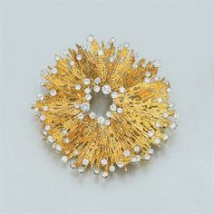 Andrew Grima - 18kt Gold and Diamond Brooch #jewelrydesign