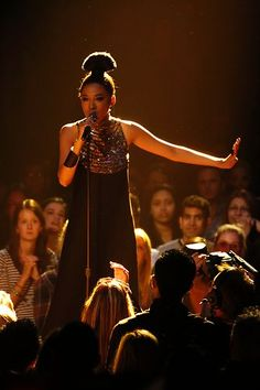 And Judith Hill's dress as well. Beautiful, just beautiful...like her voice :)
