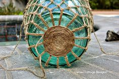 Cameo Cottage Designs: Knotted Jute Net Demijohns or Bottles DIY Tutorial crafts with jute Glass Bottle Crafts, Diy Bottle, Bottle Art, Jute, Rope Crafts, Beach Crafts, Glass Floats, Macrame Projects, Macrame Patterns