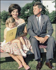 1960. Juillet. John F Kennedy and Family