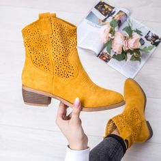 Cizme perforate dama galbene Formas-rl Cowboy Boots, Casual, Shoes, Fashion, Shapes, Moda, Zapatos, Shoes Outlet, Fashion Styles
