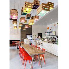 No melhor estilo descolado o Arquiteto reutilizou caixote de feira  para fazer as luminárias e eu ameeeiii!  Inspiração do @decoredecor IG que AMO!  #ideias #homedecor #decor #lardocedecor #lardocecesa #reutilizar #sutentabilidade #bomdia #ootd #mood #love
