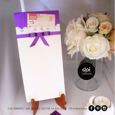 Los sobres para regalo en efectivo van decorados como la invitación, se hacen del tamaño que los necesites, se colocan en la invitación y unos cuantos en donde está la urna donde se depositarán, para los invitados que olvidaron el suyo. #iDEALÍZATE que #DPi se encargará del resto #diseñopapelimpresión #sobresregaloenefectivo #bodas y #quiceañeras  #XVaños Tableware, Cash Gifts, Invitations, Paper Envelopes, Weddings, Manualidades, Dinnerware, Tablewares, Dishes