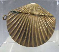 Antique 19th c Embossed Brass Sea Scallop Shell Clam Match Safe/Vesta Case 2 yqz