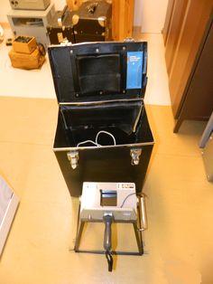 Kameratelinettä käytettiin kuvattaessa puhelinkeskuksen puhelinnumeroiden sykäyslaskureita, jonka tuloksella asiakkaita veloitettiin puheluista. Kuvatut filmit lähettiin kehitettäväksi ja toimistossa  katsottiin kuvista laskutuksen tiedot.