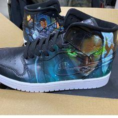 League of Legends Jordan AJ 1 Custom Air Jordan 1 Sneakers Painted Canvas Shoes, Hand Painted Shoes, Vans Sneakers, Custom Sneakers, Jordan Aj 1, Shoe Last, League Of Legends, On Shoes, Nike Air Force