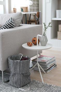 olohuone,olohuoneen sisustus,olohuoneen pöytä,sivupöytä,hay Decor, Living Room, Furniture, Room, Interior, Table, Interior Details, Interior Design, Coffee Table