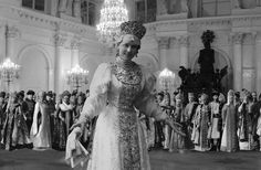 Zinaida Youssoupoff, mother of Felix On the historical ball of 1903 in Winter Palace. According to Alexander Mikhailovich's and Felix's memoirs she astonished everybody there performing russian...