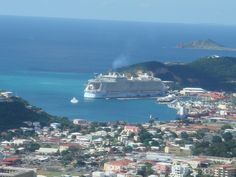 Oasis of the Seas docked in St Thomas