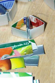 Wer die Seite 9gag kennt, hat sie vielleicht schon einmal gesehen. Eine Lampe, bestehend aus100% Tetrapacks (Tetrapäckern?).(link:http://9gag.com/gag/1744243) Hergestellt von einem Asiatischen Designer, der über unglaublich viel Geduld, Muße und Zeit für Fummelkram verfügen muss. Das Problem an der Sache: man … weiterlesen