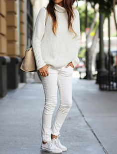 Proof You Can Wear White Jeans in Winter