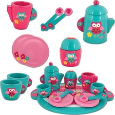 The Stephen Joseph Owl Wooden Play Tea Set offers great fun for your little one. Offering tea kettle with various cups, saucers and spoons, this set will provide tons of fun and stimulate your child's imagination as they pretend to host a tea party. Play Kitchen Food, Pretend Play Kitchen, Play Food, Toy Story Figures, Tee Set, Tea Party Setting, Wooden Playset, Wooden Owl, Bath Tea