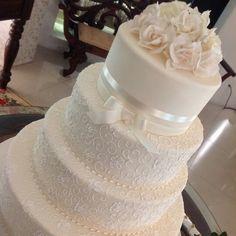 Bolo de casamento por Tereza Vale! Inspiração para o romantismo!.
