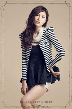 Black And White Stripes Puff Long Sleeves Korean Fashionable Blazer 5