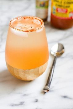 A weight-loss drink that tastes like apple pie? Sign us up! Liquid vanilla stevia and cinnamon turn this he...