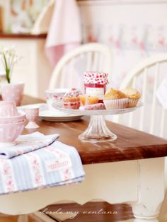 DESDE MY VENTANA Laura Ashley, Simple Pleasures, Table Decorations, Blog, Pink, Vintage, Home Decor, Country, Kitchen