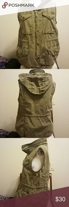 Ladies vest / Jacket Army green / sleeveless jacket / hood tucks into zipper closure around neckline Levi's Jackets & Coats Vests