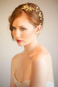 Bellísimo tocado de novia de @JennMignonne