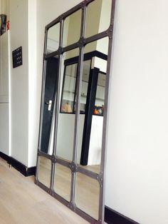 Miroir d'atelier dans loft