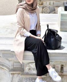 187 blazers hijab casual outfits – page 1 Modern Hijab Fashion, Street Hijab Fashion, Hijab Fashion Inspiration, Muslim Fashion, Modest Fashion, Fashion Outfits, Casual Hijab Outfit, Hijab Chic, Hijab Dress