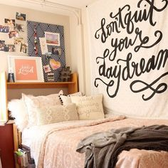 Don't Quit Your Dorm Dream   Too obsessed with the makeover @diyplaybook did on @graceward01's dorm. Inspo for dayssss