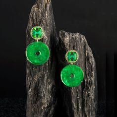 Doris Hangartner earrings with jade discs, green tourmalines and princess-cut tsavorites set in yellow gold darkened with rhodium. Be inspired by the power women designers of jewellery: http://www.thejewelleryeditor.com/jewellery/power-women-female-jewellery-designers/ #jewelry #fashion