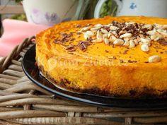 Ochutnejte dýni tak, jak ji neznáte. Recept na vynikající dýňový cheesecake s mandlemi a hořkou čokoládou rozveselí i nejpochmurnější podzimní dny.