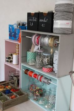 Astuces de rangement pour votre atelier couture - 2 Put wheels on the bottom, a photo on the . Coin Couture, Couture Sewing, Diy Organisation, Room Organization, Diy Rangement, Ideas Para Organizar, Space Crafts, Craft Storage, Shabby Chic