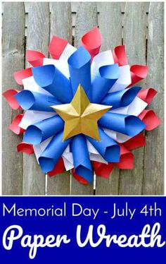 Memorial Day - July Paper Wreath - Easy patriotic Wreath DIY - red white and blue crafts - Memorial Day party decoration - Patriotic decoration Memorial Day Decorations, Memorial Day Wreaths, 4th Of July Decorations, Office Decorations, Holiday Decorations, Patriotic Wreath, Patriotic Crafts, Patriotic Party, Fourth Of July Decor