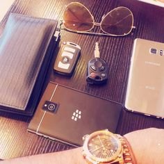 When u r soo obsessed with brands. Blackberry Passport, Galaxy Note 7, Lincoln, Keyboard, Smartphone, Samsung, Bmw, Glasses, Instagram Posts