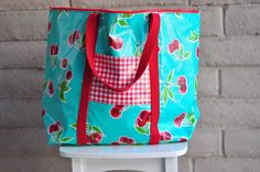 Aesthetic Nest: Sewing: Oilcloth PreSchool Bag As much as I love oilcloth, a phalate-free laminated cotton would probably be a more favorable option for me. Sewing Tutorials, Sewing Crafts, Sewing Patterns, Sewing Ideas, Bag Patterns, Quilting Projects, Sewing Projects, Laminated Fabric, Cloth Bags