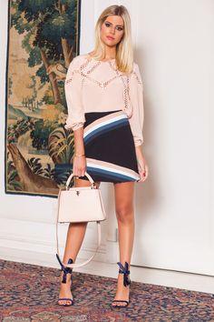 transformar uma saia com adição de cor.