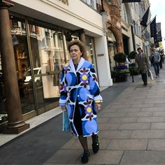 Mayfair Street Style! #streetstyle #mayfair #mayfairstreetstyle @london @troy_wise @5by5forever #london #londonstyle #ldn #fashionmeetsthestreets #iastreetstyle #streetsoflondon #style #fashion #fashionphotography #fashionblogger #streetphotography #humansoflondon #loveit #fashionable #uk #britishfashion #spring2017 #2017 #ia #candid #thisislondon #instalike #instafashion #instastyle #rickguzman #troywise