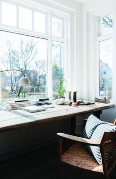 White Home Office Ideas To Make Your Life Easier; home office idea;Home Office Organization Tips; chic home office. Home Office Space, Office Workspace, Home Office Design, Home Office Decor, Home Design, Interior Design, Home Decor, Office Ideas, Design Ideas