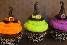 Witch Hats - Wanted to make a more grown-up cupcake for Halloween. Hats are made of MMF with a belt accent covered in edible disco dust. Chocolate cupcakes with BC icing. Halloween Desserts, Halloween Cupcakes, Spooky Halloween, Halloween Goodies, Halloween Food For Party, Halloween Ideas, Happy Halloween, Holiday Cupcakes, Halloween Clothes