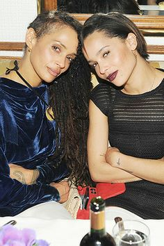 Lisa Bonet and Zoë Kravitz have their mother-daughter poses down cold.