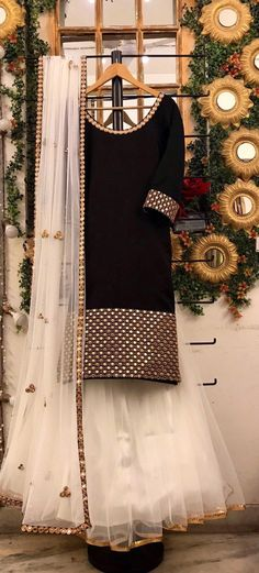 Items similar to yellow chanderi kurta with mirror embroidery, skirt and dupatta Indian wedding outfit bridesmaid dress yellow mehendi Sangeet lengha choli on Etsy Simple Pakistani Dresses, Indian Gowns Dresses, Indian Fashion Dresses, Pakistani Dress Design, Indian Designer Outfits, Velvet Pakistani Dress, Muslim Fashion, Women's Fashion, Fashion Outfits