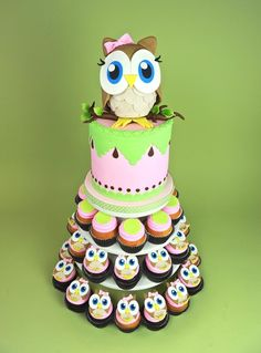 Owl cakes and chick cupcakes Pretty Cakes, Cute Cakes, Beautiful Cakes, Yummy Cakes, Amazing Cakes, Beautiful Owl, Crazy Cakes, Fancy Cakes, Super Torte