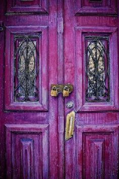 Locked Radiant Orchid Pantone colo of the year 2014