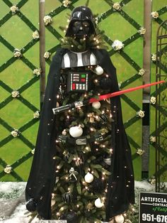 Star Wars Inspired Christmas Tree on Pretty My Party.
