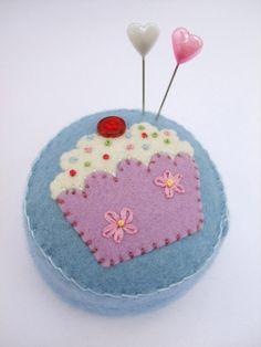 A very cute #pincushion. Makes me hungry.