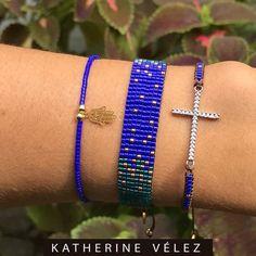 ✨Inspiración ✨ Tu actitud es el mejor accesorio ♀️Juego x 3 pulseras piedra Miyuki. Envíos a toda Colombia Encargos por WhatsApp 3003502280. Foot Toe, Bead Loom Bracelets, Bead Loom Patterns, Loom Beading, Anklets, Beadwork, Headbands, Glass Beads, Chokers