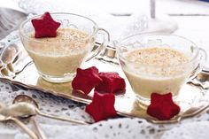 Everyone will love this spectacular dessert, which offers a festive take on the traditional favourites.