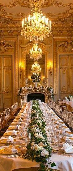 New Wedding Elegant Food Beautiful Ideas Parisian Wedding, French Wedding, Luxury Wedding, Elegant Wedding, Wedding Gold, Gold Ceiling, Banquet Tables, Elegant Dining, Christmas Wedding