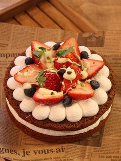 バレンタイン準備 -phase.3- 大本命♡まるごとホールケーキ むるたん ... チョコレートスポンジの恋のいちごケーキ