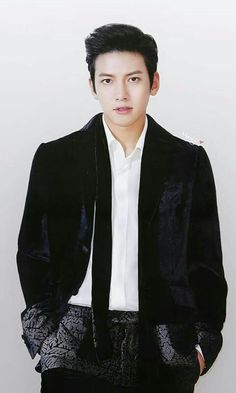 ❤❤ 지 창 욱 Ji Chang Wook ♡♡ why so handsome. Ji Chang Wook 2017, Ji Chang Wook Smile, Ji Chang Wook Healer, Ji Chan Wook, Korean Star, Korean Men, Asian Men, Asian Celebrities, Asian Actors