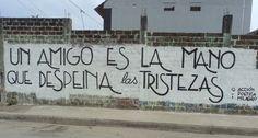 El movimiento Acción Poética, que nació en México hace dos décadas, decorará las paredes con versos y frases inspiradoras