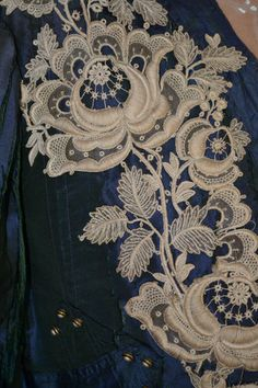 ANTIQUE 1800'S DRESS BODICE BEST HANDMADE BOBBIN NEEDLE LACE COLLAR DOLL BUTTONS | eBay